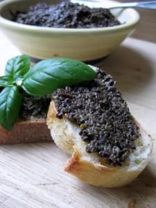 Tapenade-aux-olives-noires