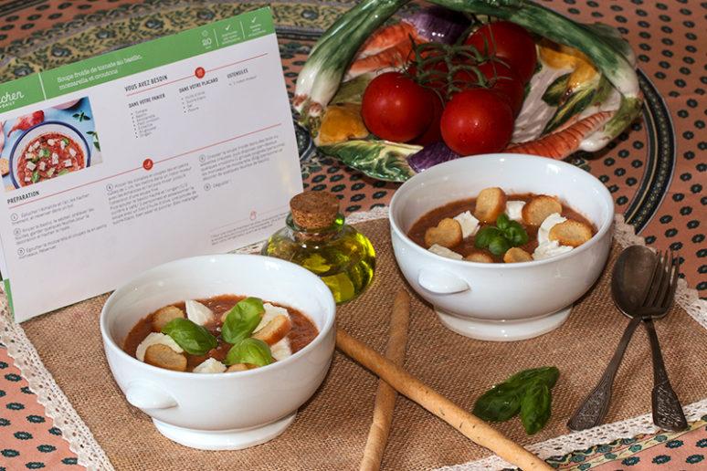 Soupe froide de tomates au basilic
