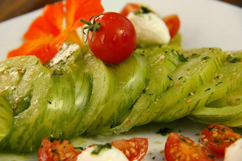 salade de tomate green zebra aux bocconcini. Black Bedroom Furniture Sets. Home Design Ideas
