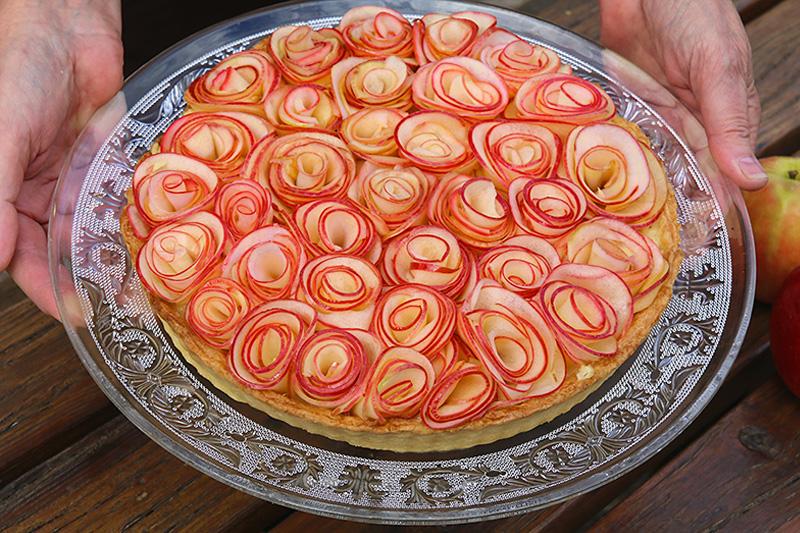 Tarte aux pommes comme un bouquet de roses - Tarte soleil aux pommes ...