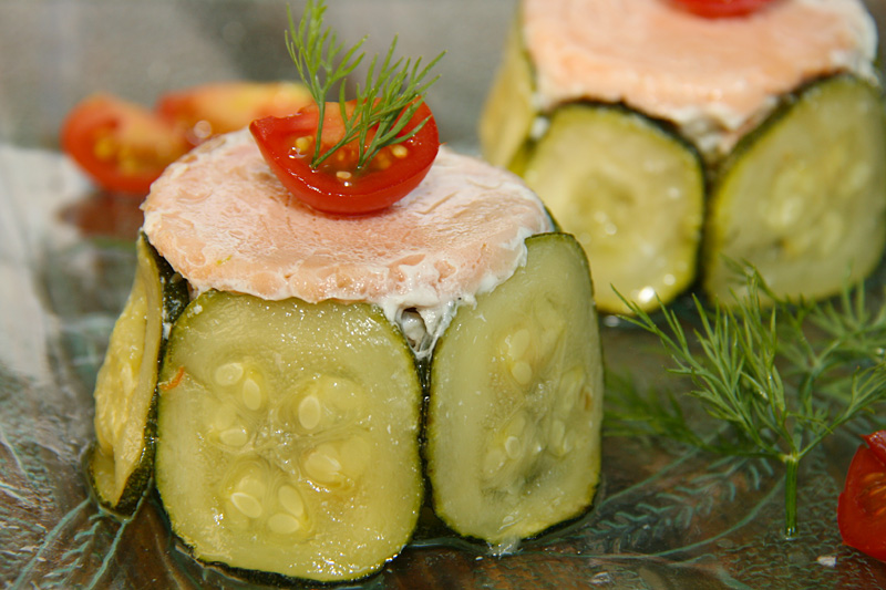 Terrine de courgette au saumon fum la cuisine de jackie for Entrees froides festives
